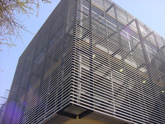 Lam chắn nắng tòa nhà